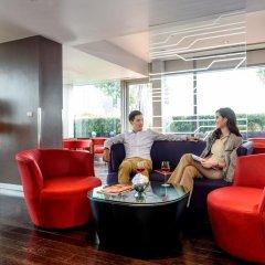 Отель Novotel Bangkok Ploenchit Sukhumvit 4* Улучшенный номер с различными типами кроватей фото 5