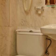 Отель Hostal Victoria III ванная