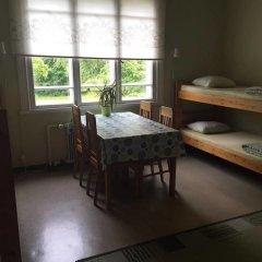 Porvoo Hostel Стандартный семейный номер с двуспальной кроватью (общая ванная комната) фото 3