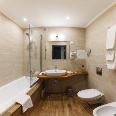 Гостиница Голубая Лагуна Улучшенный номер двуспальная кровать фото 2