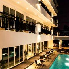 Отель Amin Resort Пхукет бассейн