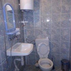 Отель Shishkovi Guesthouse Болгария, Чепеларе - отзывы, цены и фото номеров - забронировать отель Shishkovi Guesthouse онлайн ванная фото 2