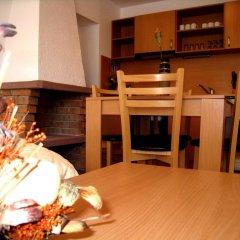 Апартаменты Four Leaf Clover Apartments интерьер отеля