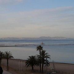 Отель Palmeras 4.4 Испания, Курорт Росес - отзывы, цены и фото номеров - забронировать отель Palmeras 4.4 онлайн пляж