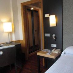 Отель NH Ciudad de Valencia 3* Стандартный номер с разными типами кроватей