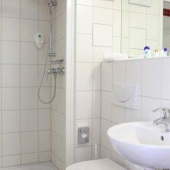 AZIMUT Hotel City South Berlin 3* Стандартный номер с двуспальной кроватью фото 5