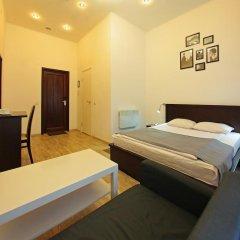 Мини-Отель White & Black Home Номер Комфорт с двуспальной кроватью