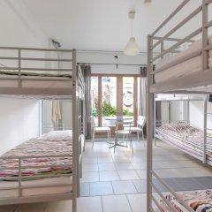 Brussel Hello Hostel Кровать в общем номере с двухъярусной кроватью фото 2