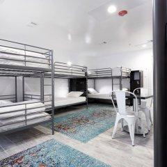 HighRoad Hostel DC Кровать в общем номере с двухъярусной кроватью фото 12