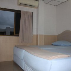 Отель At Home Guest House 2* Стандартный номер с 2 отдельными кроватями фото 2