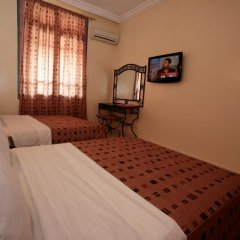 Отель Hôtel Ichbilia 2* Стандартный номер с различными типами кроватей фото 12