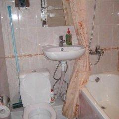 Гостиница na Dome Oborone в Тюмени отзывы, цены и фото номеров - забронировать гостиницу na Dome Oborone онлайн Тюмень ванная