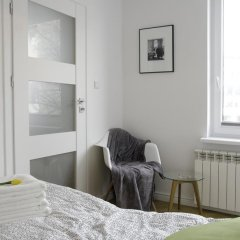 Апартаменты Bizzi Luxheart Of Old Town Apartment Варшава комната для гостей фото 5