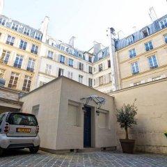 Отель Villa du Louvre парковка