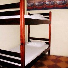 Hotel & Hostal Yaxkin Copan 2* Кровать в общем номере с двухъярусной кроватью