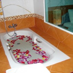 Отель Lamai Guesthouse 3* Номер Делюкс с двуспальной кроватью фото 7