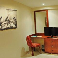 Отель Al Liwan Suites 4* Люкс с различными типами кроватей