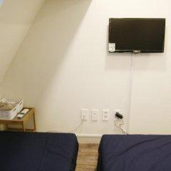 Отель Seoul Dalbit Dongdaemun Guesthouse 2* Номер категории Эконом с различными типами кроватей фото 8