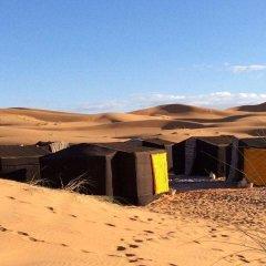 Отель Camel Trekking Company Марокко, Мерзуга - отзывы, цены и фото номеров - забронировать отель Camel Trekking Company онлайн пляж
