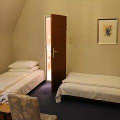 Schweizerhof Hotel 3* Стандартный номер фото 7