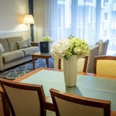 Queen's Court Hotel &Residence 5* Люкс с различными типами кроватей фото 9