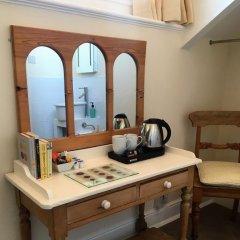 Отель Alcuin Lodge Guest House 4* Стандартный номер с двуспальной кроватью (общая ванная комната) фото 5