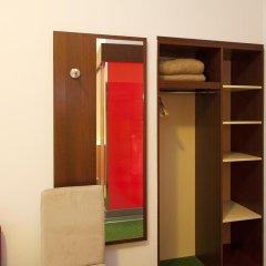 Отель Pension Stadthalle Вена сейф в номере