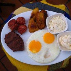 Отель Plaza Yat B'alam Гондурас, Копан-Руинас - отзывы, цены и фото номеров - забронировать отель Plaza Yat B'alam онлайн питание фото 2