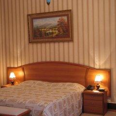 Легендарный Отель Советский 4* Улучшенный номер двуспальная кровать фото 3