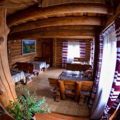Отель Domik v Gorakh Guest House Поляна питание