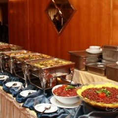 Отель Good Wood Plaza Шри-Ланка, Сидува-Катунаяке - отзывы, цены и фото номеров - забронировать отель Good Wood Plaza онлайн питание