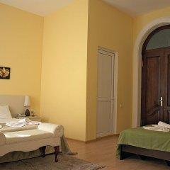 Отель Tbilisi Garden Стандартный семейный номер с двуспальной кроватью фото 5
