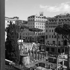 Отель Torre Argentina Relais - Residenze di Charme 3* Стандартный семейный номер с двуспальной кроватью фото 17