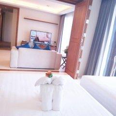 Отель At The Tree Condominium Phuket комната для гостей фото 2