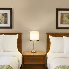 Отель Colonial Square Inn & Suites 2* Стандартный номер 2 отдельные кровати фото 4