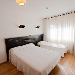 Отель Hostal Athenas Стандартный номер с 2 отдельными кроватями фото 7
