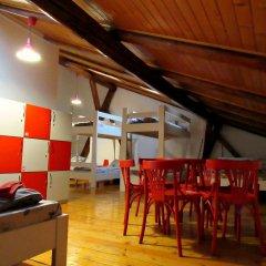 Hostel Just Lviv It! Стандартный семейный номер с двуспальной кроватью фото 3