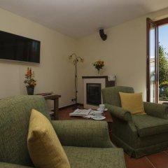 Отель The Cottage on the Lake Италия, Бавено - отзывы, цены и фото номеров - забронировать отель The Cottage on the Lake онлайн комната для гостей фото 2