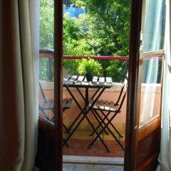 Отель Alfama 3B - Balby's Bed&Breakfast Стандартный номер с 2 отдельными кроватями (общая ванная комната) фото 35