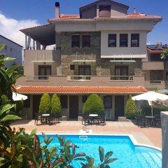 Отель Luxury Aroma Villa бассейн