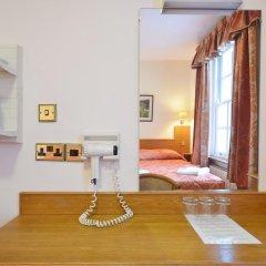 Seymour Hotel 2* Стандартный номер с двуспальной кроватью фото 15