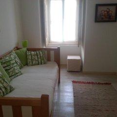 Отель Dobairro Suites at Principe Real Лиссабон комната для гостей фото 2