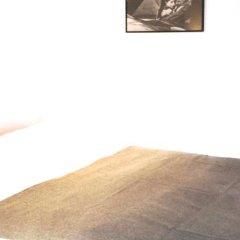 Отель Cosy and Romantic Франция, Париж - отзывы, цены и фото номеров - забронировать отель Cosy and Romantic онлайн комната для гостей фото 3