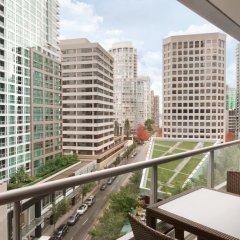 Отель Shangri-La Hotel Vancouver Канада, Ванкувер - отзывы, цены и фото номеров - забронировать отель Shangri-La Hotel Vancouver онлайн балкон