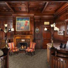 Отель The Gatsby Mansion Канада, Виктория - отзывы, цены и фото номеров - забронировать отель The Gatsby Mansion онлайн интерьер отеля