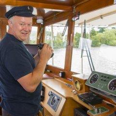 Отель Hotelboat Allure Нидерланды, Амстердам - отзывы, цены и фото номеров - забронировать отель Hotelboat Allure онлайн интерьер отеля фото 2