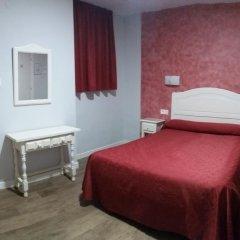 Отель Hostal Sonia Стандартный номер с различными типами кроватей фото 11