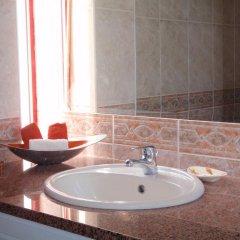 Отель Caroni Португалия, Виламура - отзывы, цены и фото номеров - забронировать отель Caroni онлайн ванная