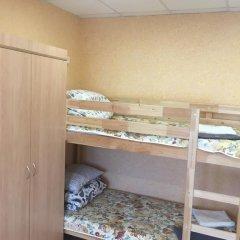 Хостел В Тапочках Стандартный семейный номер с двуспальной кроватью фото 3