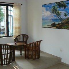 Отель Karl Holiday Bungalow Шри-Ланка, Калутара - отзывы, цены и фото номеров - забронировать отель Karl Holiday Bungalow онлайн балкон